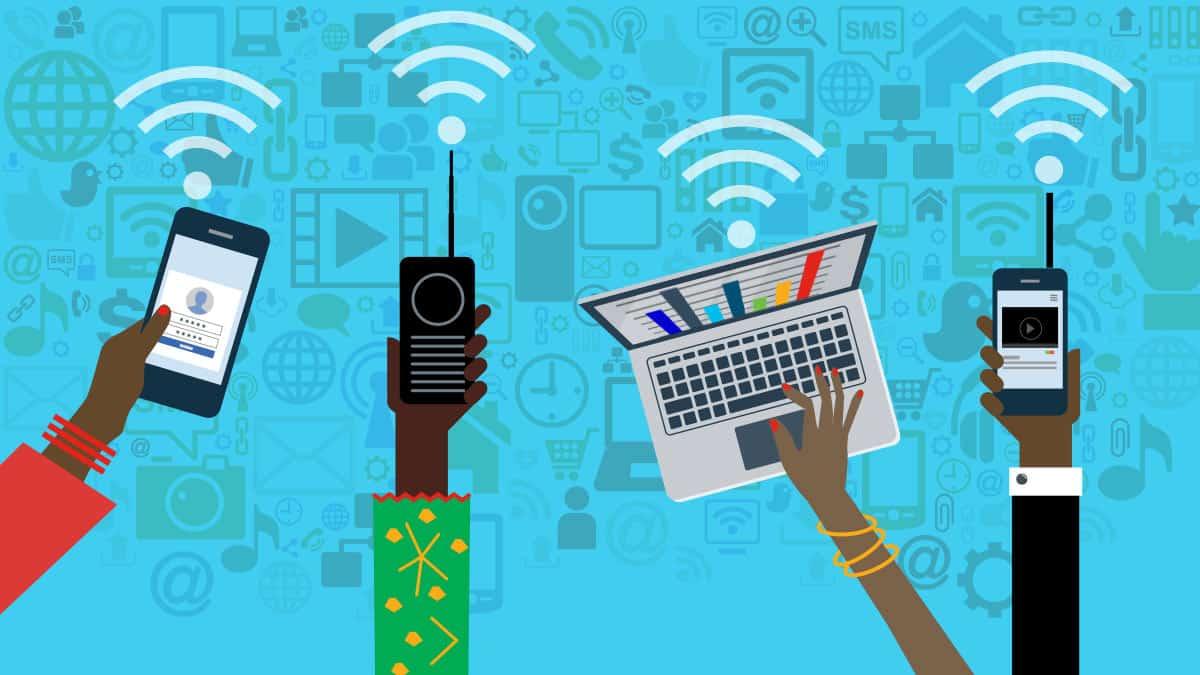 ما تأثير تكنولوجيا شبكة الإنترنت على مجتمعات منطقة الشرق الأوسط؟